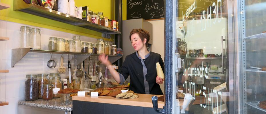 Emma Duvéré dans sa boutique